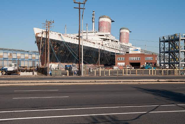 Historic American liner set to become luxury cruise ship