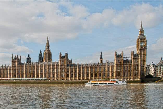 Website sells London air to homesick expats - at £20 a jar