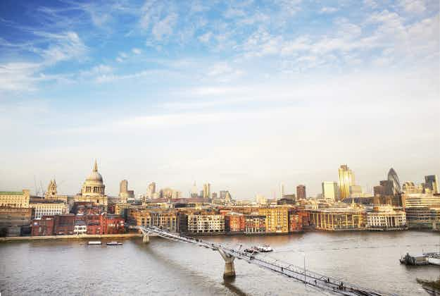 London's bridges to be lit up as £20 million permanent art installation