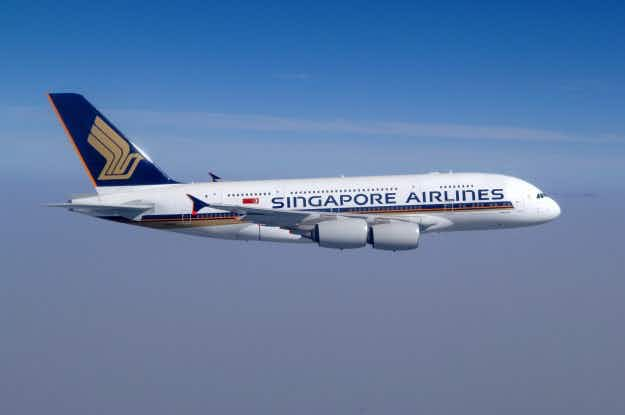 Singapore Airlines hires women to pilot its planes for the first time