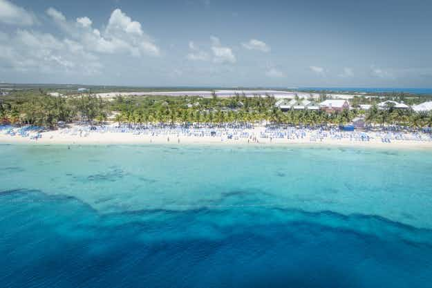 Canada debates adopting tropical Turks and Caicos Islands as its 11th province