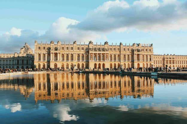 Want a taste of the high life? New luxurious (of course) hotel at the Palace of Versailles