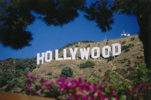 Homes of the stars, or just random houses?  Hollywood tourists cautioned about rogue operators