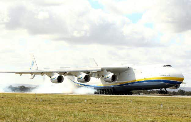 Crowds of aviation enthusiasts gather in Australia as the world's largest aircraft lands in Perth