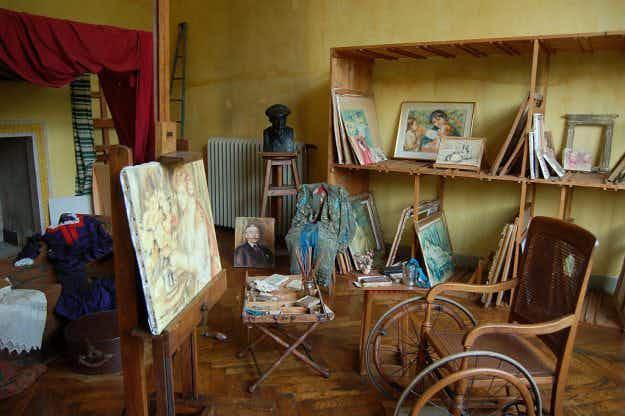 Mechanic-turned-art dealer buys long-lost Renoir masterpiece for €700 online