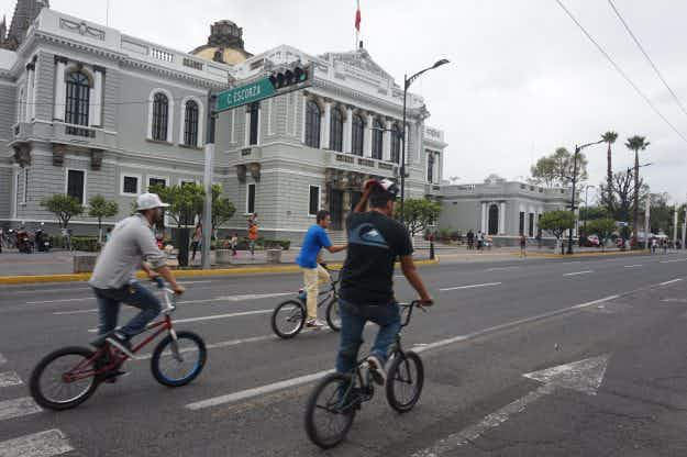 Guadalajara: it's goodbye cars and hello bikes for Mexico's biggest 'cyclovia'