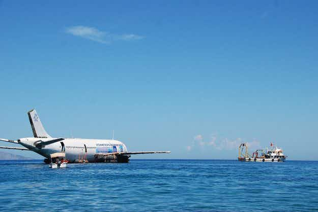 Airbus sunk in the Aegean Sea to create a new diving attraction in Turkey