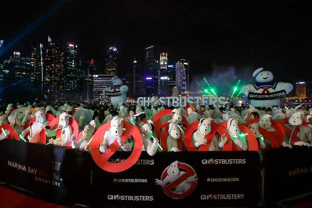 Hundreds of Ghostbusters fans set a new record at a movie event in Singapore