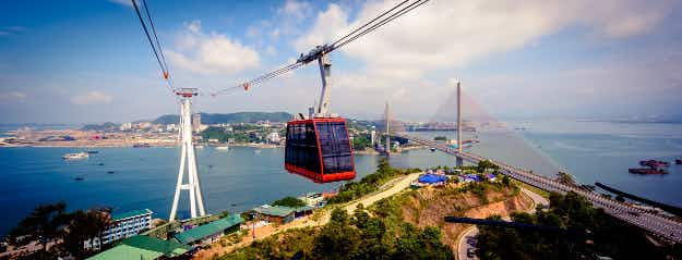 The world's biggest reversible aerial tramway is now operating Vietnam