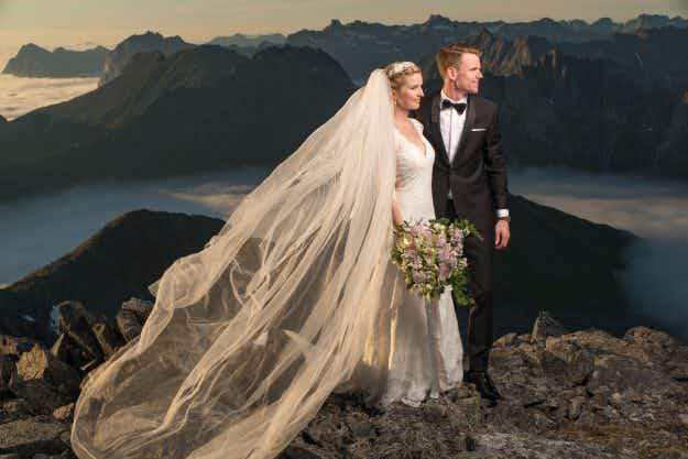 The newlyweds who climbed a mountain to get these stunning wedding photos