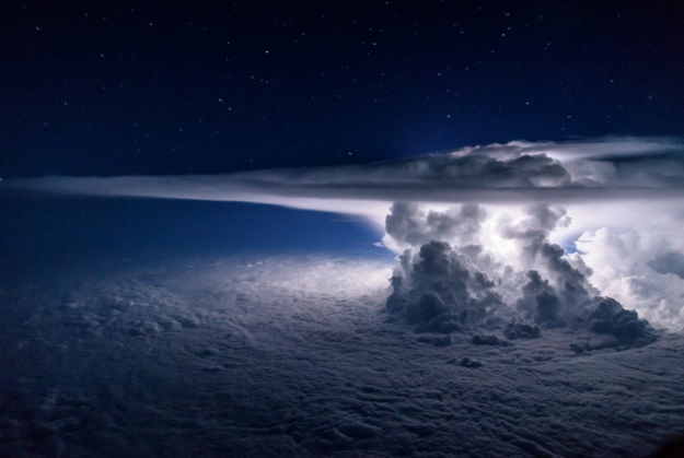 Photographer pilot captures stunning snap of storm over the Pacific Ocean