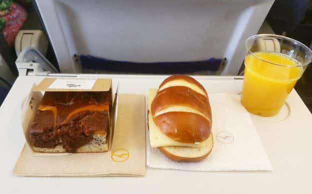 One man's quest to document as many in-flight meals as possible