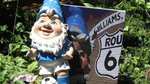Stolen garden gnome returns home with book detailing its cross-country adventure