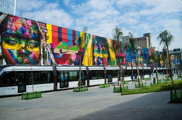 See the Olympics live on giant screens at Rio'sBoulevard Olímpico sites