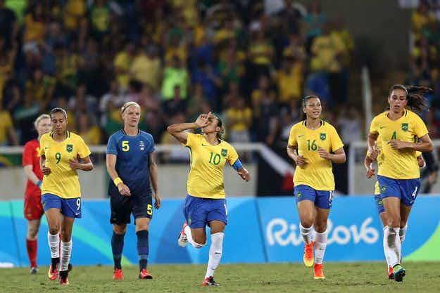 Brazilian soccer fans make their own No. 10 Marta jerseys to honour women's team