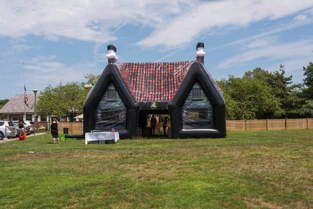 Now you can rent an inflatable Irish pub for your own backyard in Boston