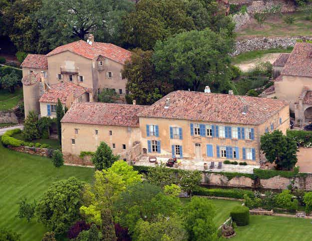 Check out the luxury international homes Brad and Angelina will have to divide up