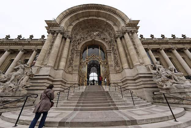 Paris opens first major Oscar Wilde exhibition at the Petit Palais