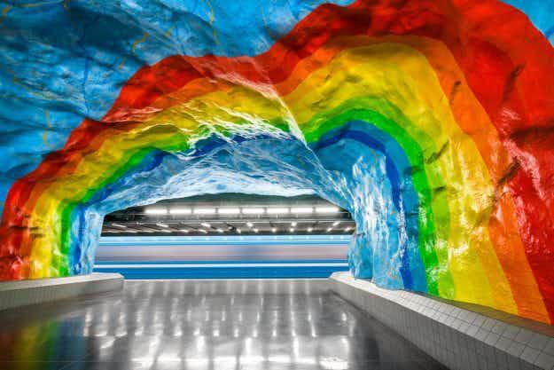 Photographer documents beautiful metro stations around the world