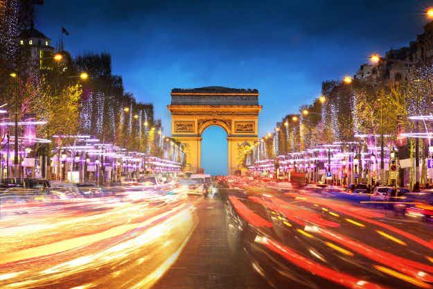 Paris looks at cable car solution to traffic jam problem