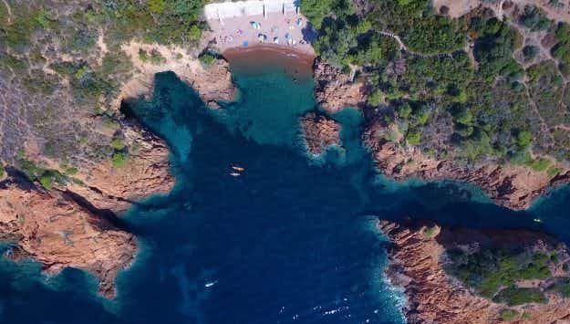 Beautiful drone footage shows the crystal clear waters of the French Riviera