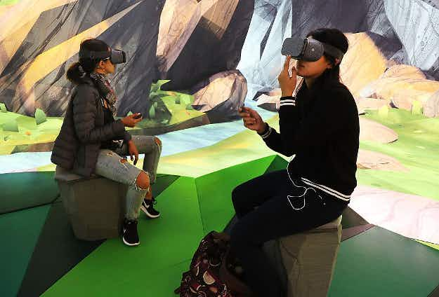 Try out virtual reality and more at a new Google pop-up that opened in New York