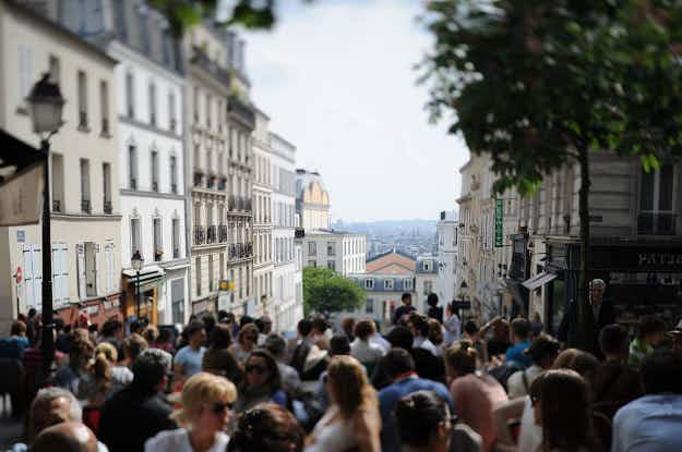 Loosen those purse-strings, Paris wants to extend Sunday shopping in tourist areas