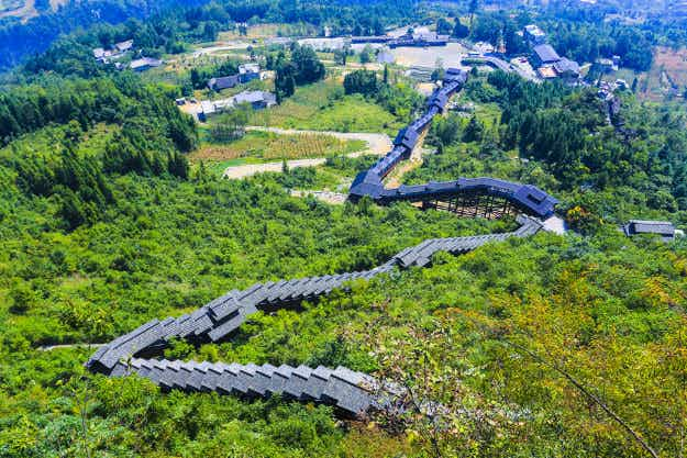 See the beauty of China from the world's longest sightseeing escalator