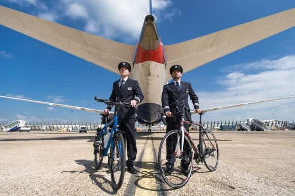 British Airways pilots get on their bikes to break world record