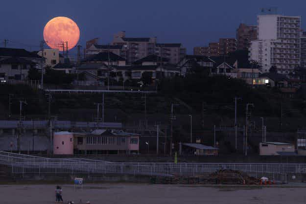 Let's hope for clear skies as the supermoon of the century is happening this month