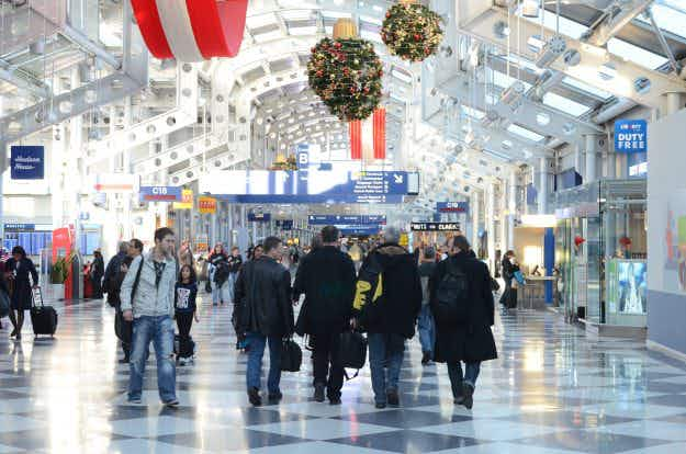 What are the top ten busiest US airports this holiday season?