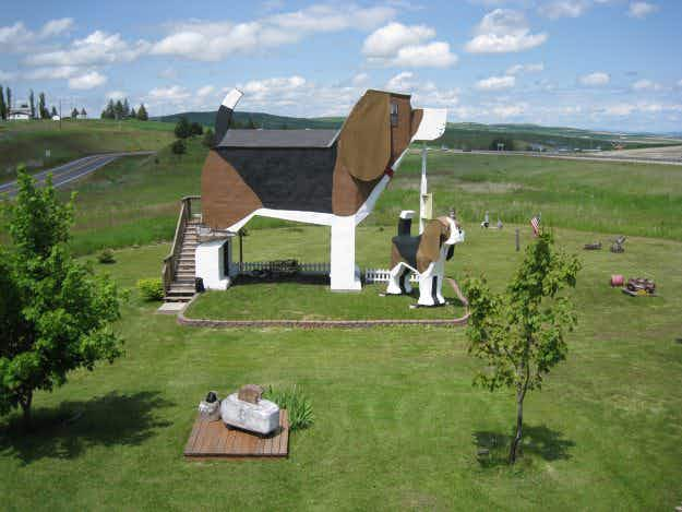 Ever wanted to know what it's really like to be in the doghouse? Now you can find out at Idaho's beagle-shaped B&B