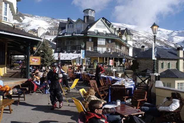 Heavy snowfall marks the start of Spain's ski season