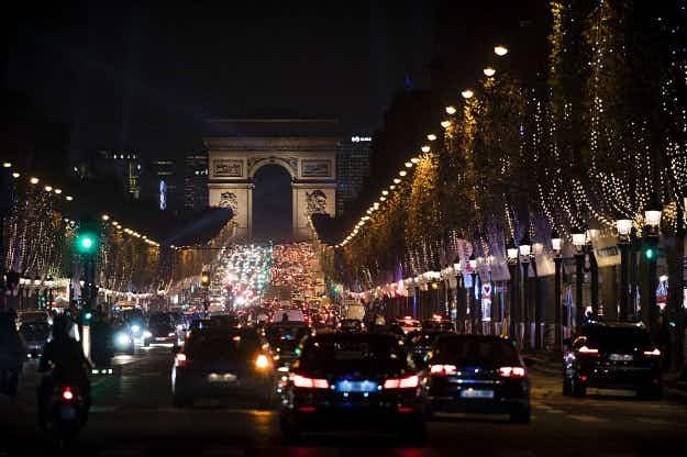 Is the centre of Paris about to become a car free zone?