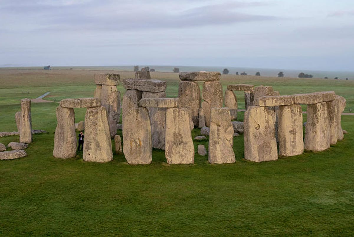 A tunnel to take traffic underneath 5000-year-old Stonehenge gets the green light - Lonely Planet
