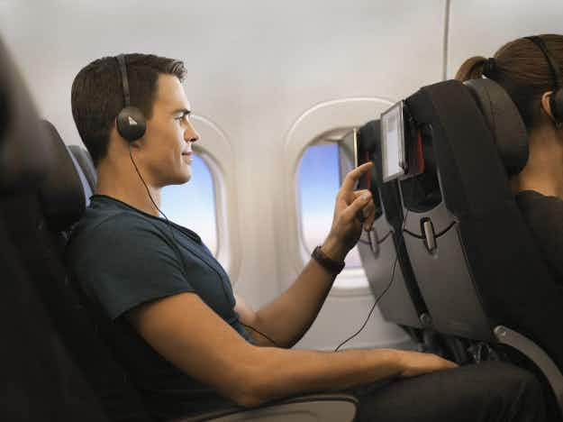 Australian airline Qantas will offer free Netflix and Spotify on domestic flights