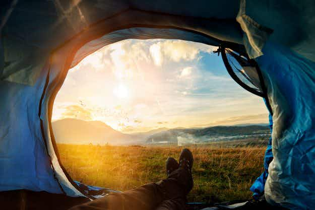 Trouble sleeping? Dust off your tent, a new study suggests that camping can help