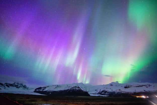 Icelandic police warn travellers for driving under the influence… of the Northern Lights