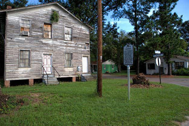 A local group is working to restore historic properties and create tourist attractions in South Carolina