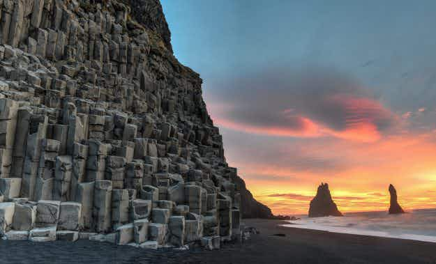 Iceland considers limiting tourist numbers to protect its natural wonders