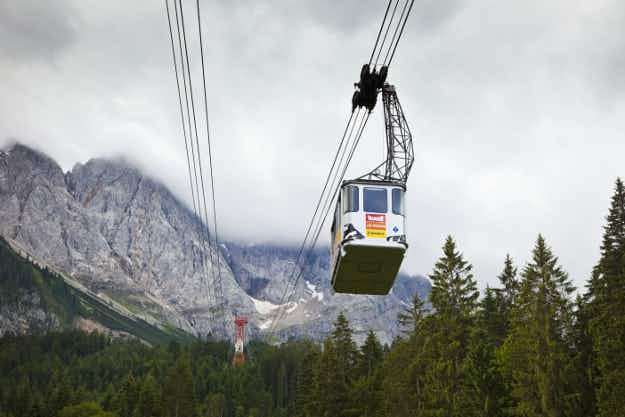 The famous cable car on Germany's highest mountain will be replaced
