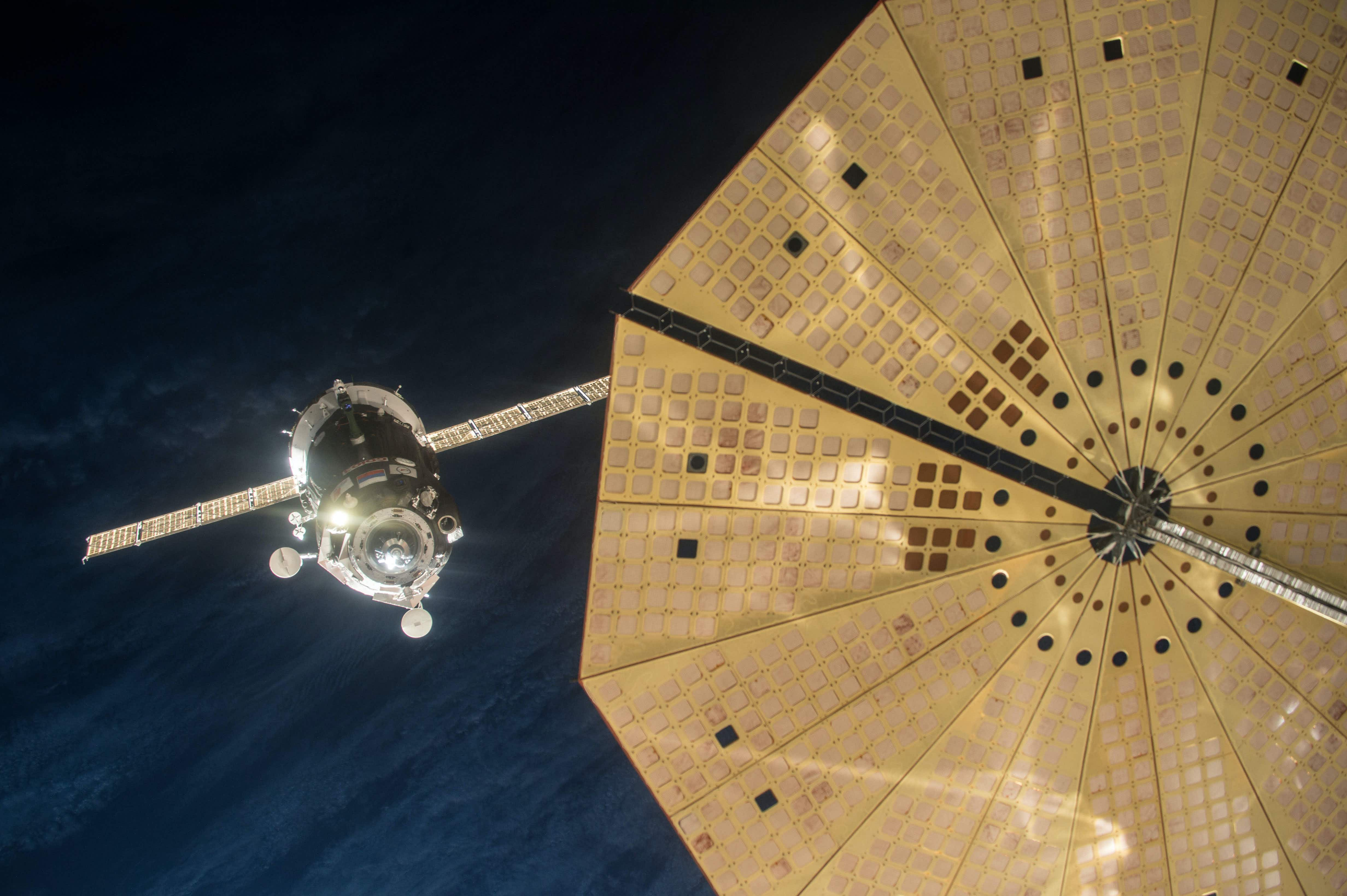 Russian Soyuz ship looking for 9 space tourists to fly to the moon