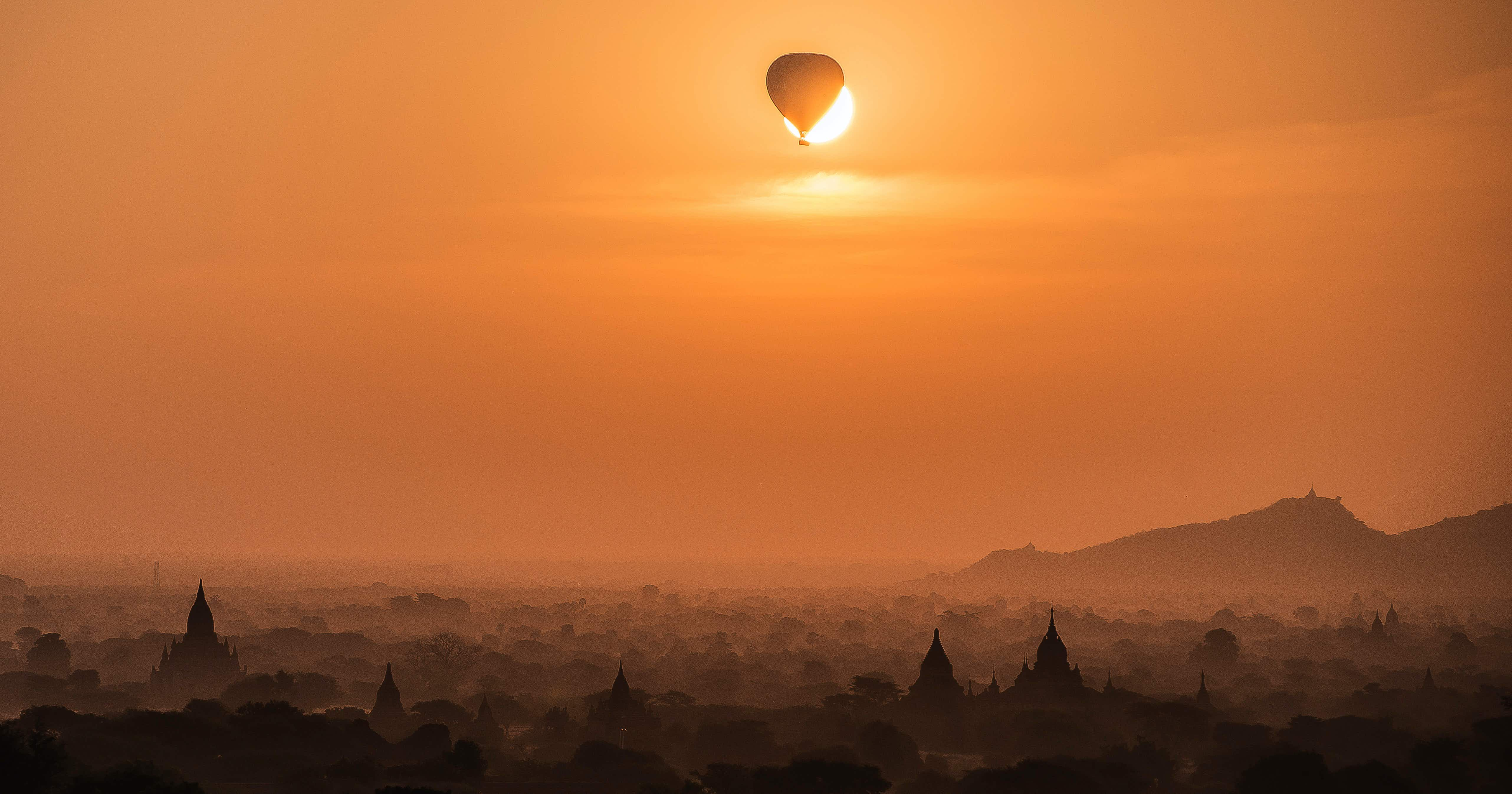 A Spanish student has captured his own solar eclipse with a hot air balloon in Myanmar