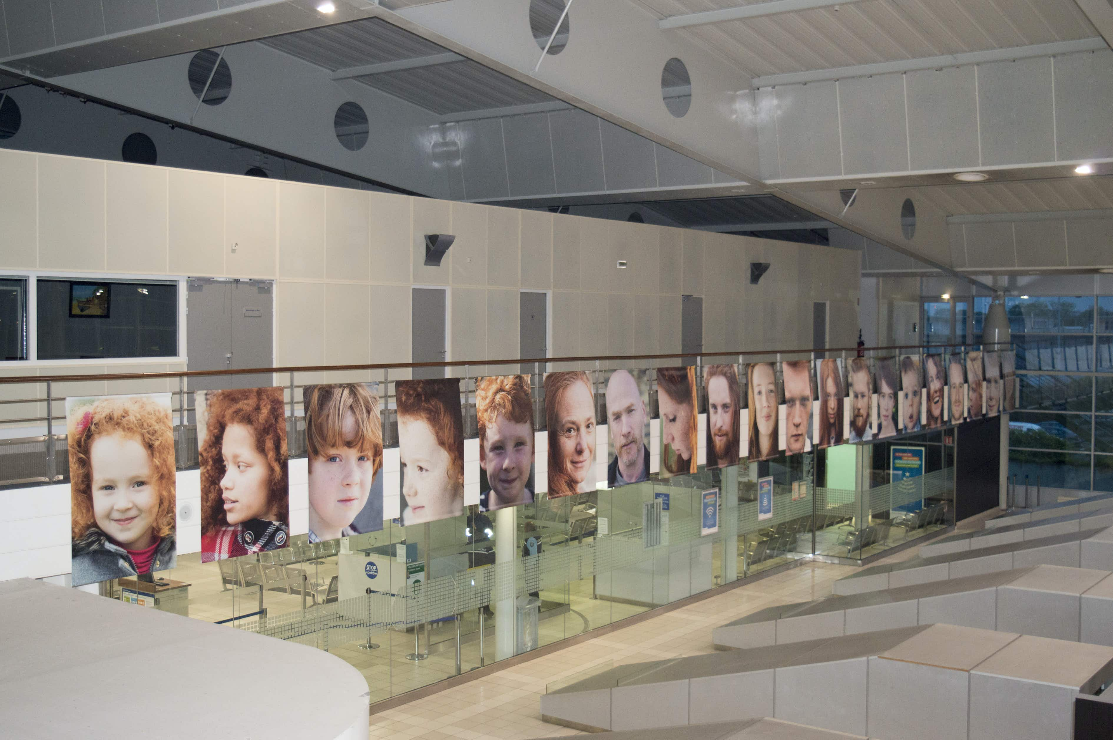 Rennes Airport is hosting a photography exhibit dedicated to redheads from Brittany