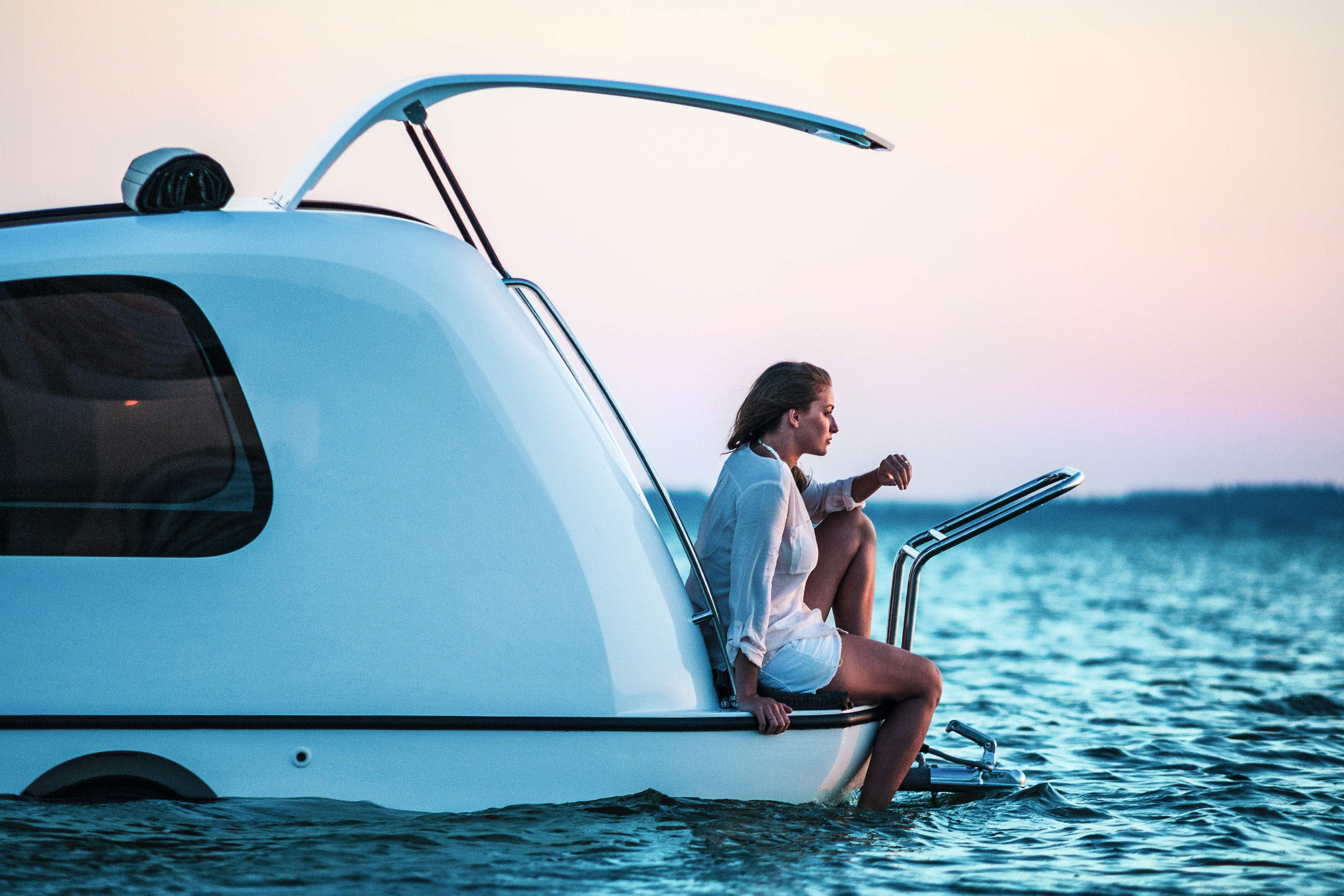 This tiny camper van can actually transform into a yacht and is quite genius