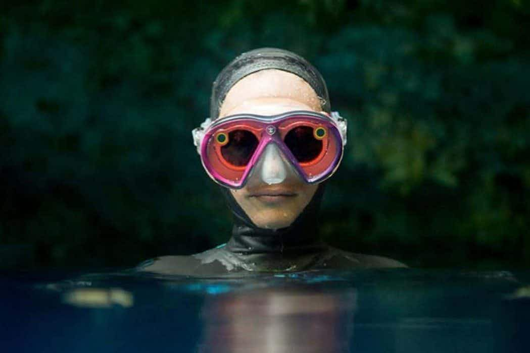 Bring your social media underwater with this scuba mask containing Snapchat spectacles