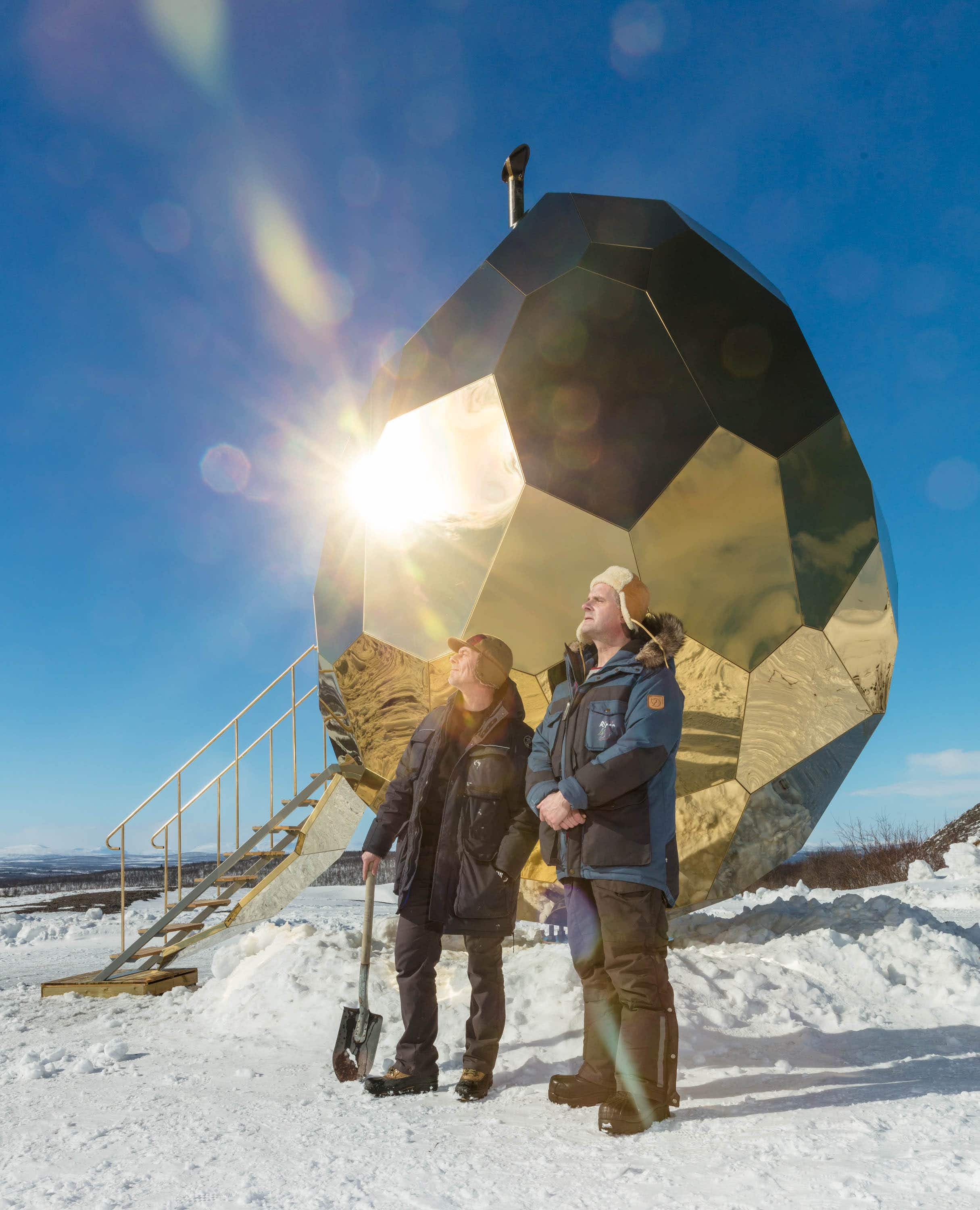 This golden egg-shaped sauna is attracting lots of attention in Sweden