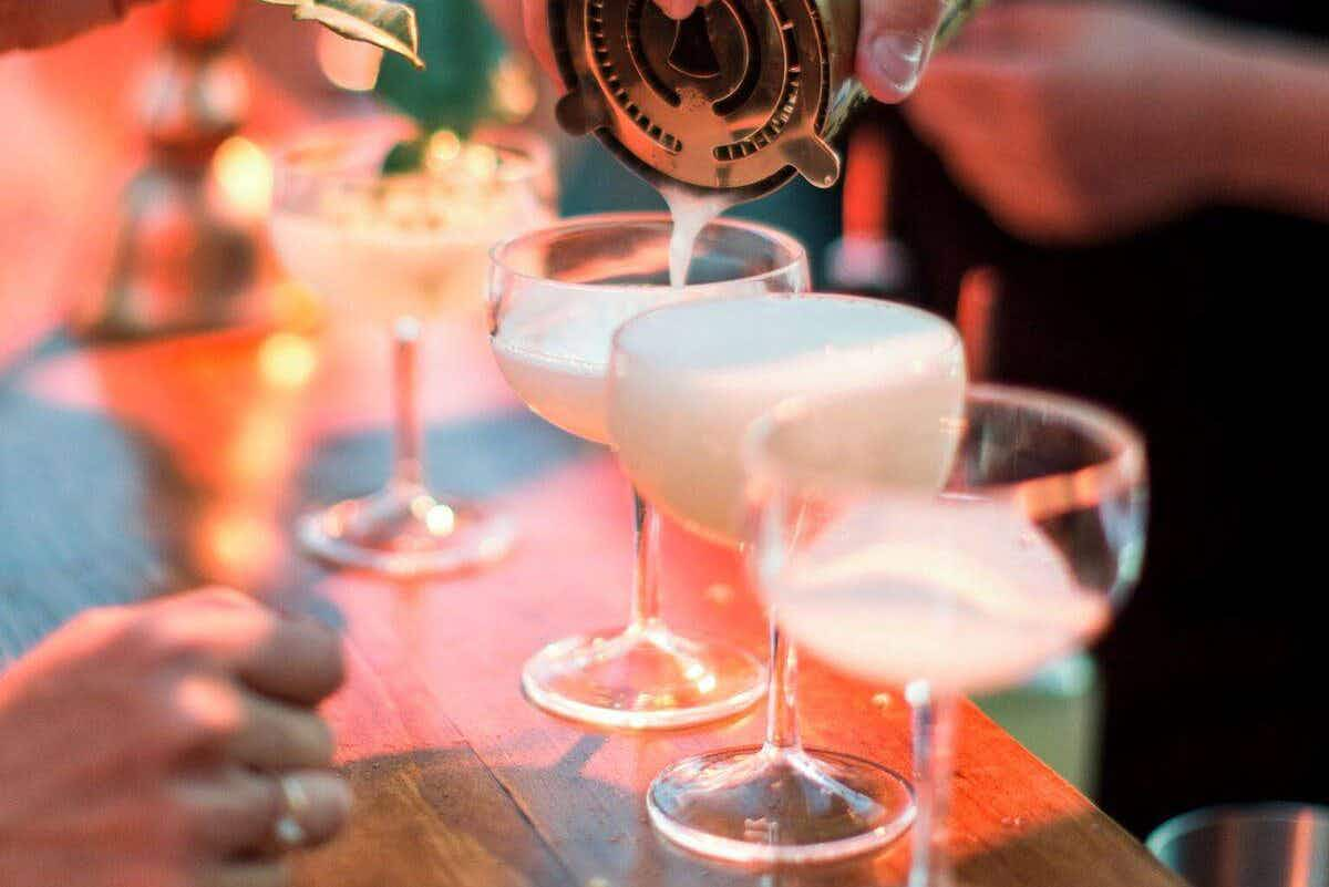There's a speakeasy with live jazz at a pop-up elderflower bar opening in London this week