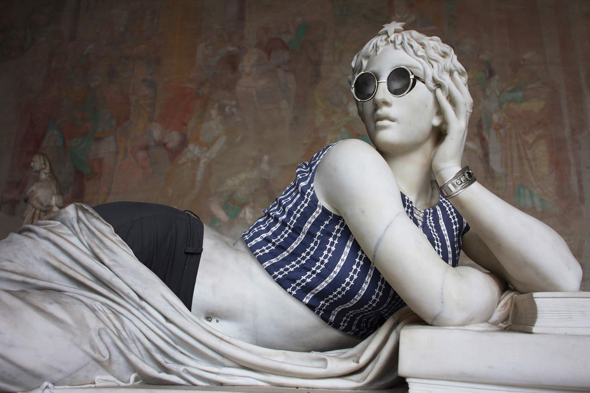 Hipsters in Stone: see Greek sculptures in the trendiest fashions at select museums