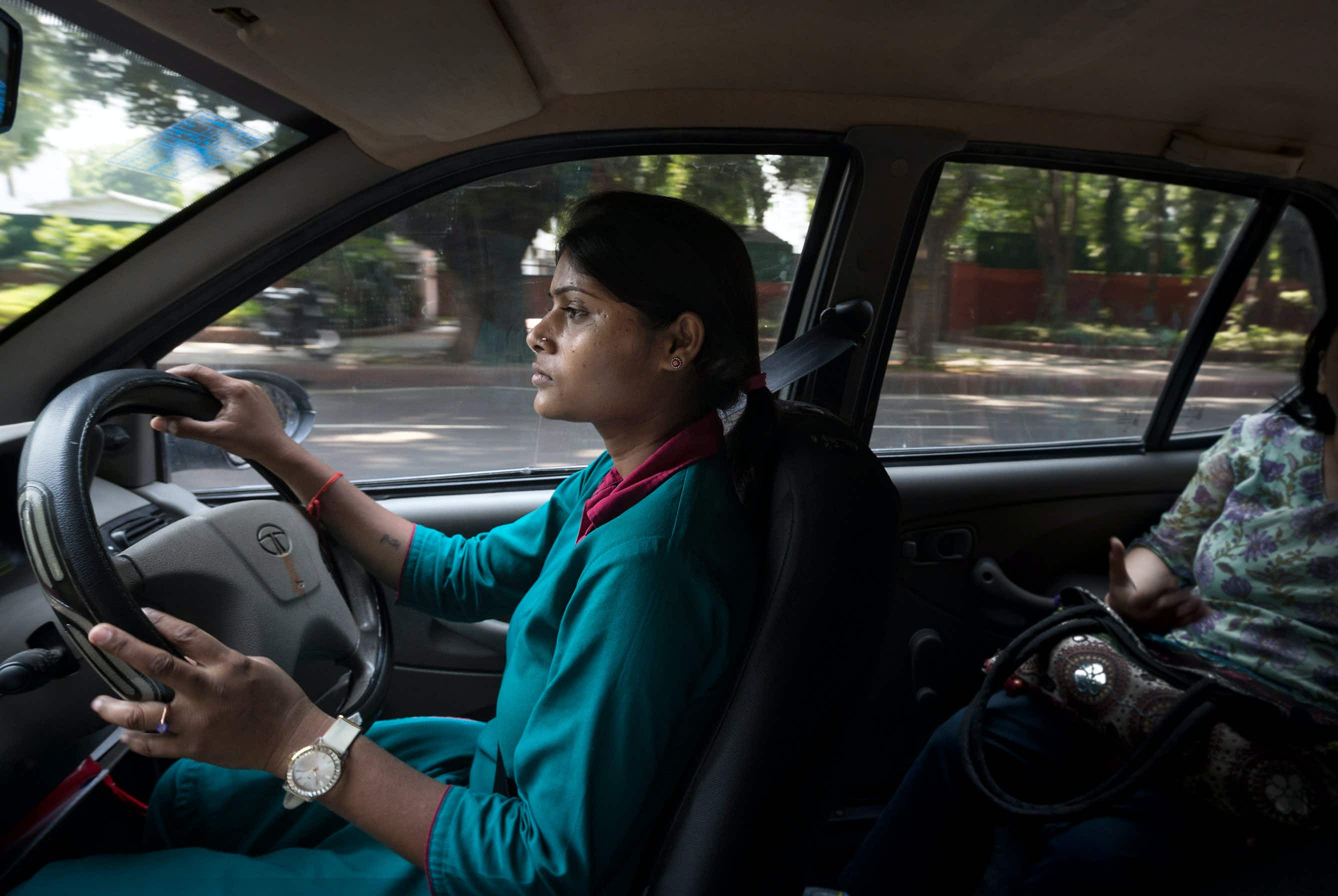 Women travellers get new mobile app to hail safe 'pink auto-rickshaws' in India